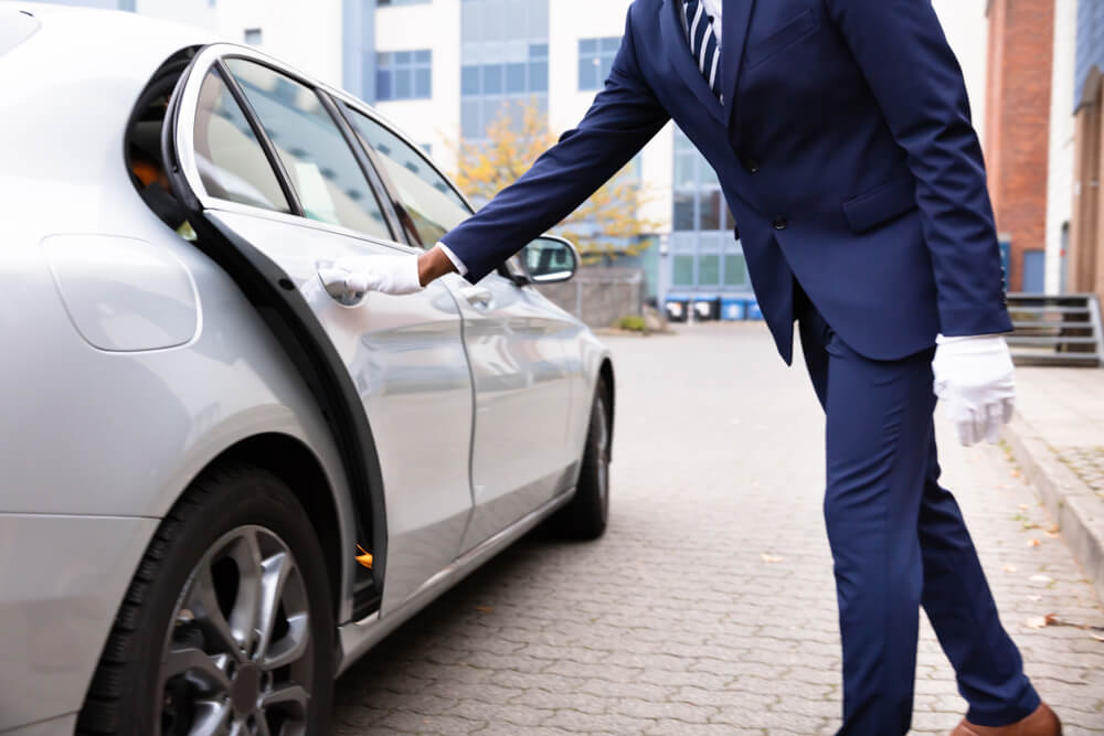 Luxury Airport Transfers Cars in Melbourne